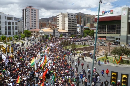 Indigenous march passes La Paz stadium (credit: Dario Kenner)
