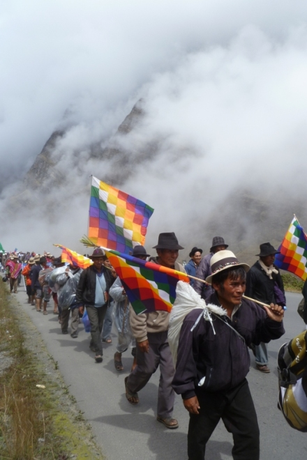 First anti TIPNIS road march on its way to La Paz in October 2011 (credit: Dario Kenner)