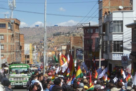 Second TIPNIS march entering city of La Paz (credit: Dario Kenner)